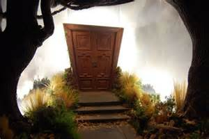 a-place-i-go-alice-in-wonderlan-door
